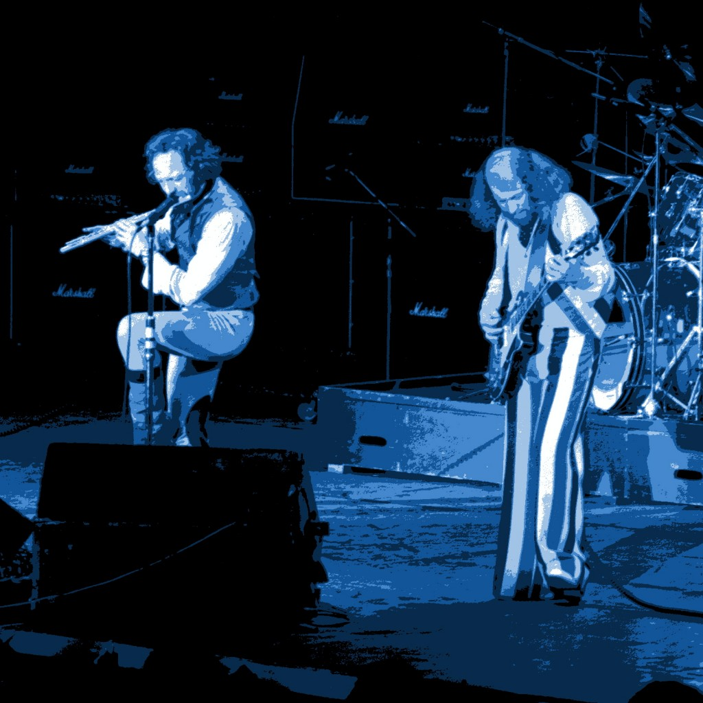 JETHRO TULL PERFORMING LIVE IN PULLMAN, WASHINGTON ON MARCH 5, 1977. PHOTO BY BEN UPHAM. MAGICAL MOMENT PHOTOS.